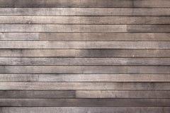 Priorità bassa scura esposta all'aria delle schede di legno Immagini Stock Libere da Diritti