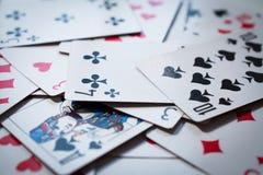 Priorità bassa sparsa delle schede di gioco Fotografie Stock Libere da Diritti