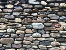 Priorità bassa strutturata della parete di pietra dell'ardesia immagine stock libera da diritti