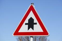 Prioritäts-Verkehrszeichen Stockbilder