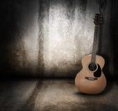 Priorità bassa acustica di Grunge della chitarra di musica Fotografie Stock