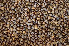 Priorit? bassa arrostita dei chicchi di caff? immagini stock libere da diritti
