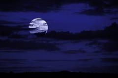 Priorità bassa con la luna Immagine Stock