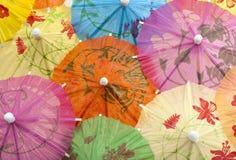 Priorità bassa degli ombrelli del cocktail Fotografie Stock Libere da Diritti