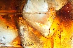 Priorità bassa della cola con ghiaccio Fotografia Stock Libera da Diritti