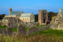 Priory di Lindisfarne sull'isola santa Fotografia Stock