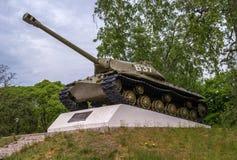 Priozersk,卡累利阿共和国,俄罗斯- 2017年6月12日:对重的IS-3坦克-约瑟夫斯大林的一座纪念碑- 3 库存照片