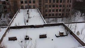 Pripyat Skola nummer 1 copter Vinter 2014 stock video