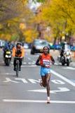 Priscah Jeptoo (Kenia) corre y gana los 2013 NYC  Foto de archivo libre de regalías
