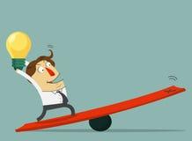 Prise d'homme d'affaires l'ampoule de l'idée et du support sur le levier La manière au succès avec son idée le chef heureux de cr Photographie stock libre de droits
