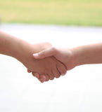 prise de contact d'amitié Image libre de droits