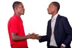 Prise de contact entre deux hommes d'affaires image stock