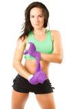 Prise de femme d'athlète un essuie-main après une séance d'entraînement photos stock