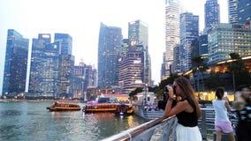 Prise de la photo de Marina Bay Sands et du paysage urbain Image stock