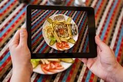 Prise de la photo du plat avec le Fajita photo stock