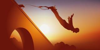 Prise de risques avec un saut de bungee du haut d'un pont illustration stock