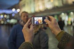 Prise des photos en ville Photographie stock libre de droits