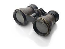 Prismáticos de la vendimia aislados en blanco fotos de archivo libres de regalías