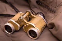 Prismáticos militares viejos Foto de archivo libre de regalías