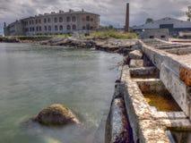 Prison abandonnée de Patarei de vue de bord de la mer Photo stock