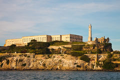 Prison et phare d'Alcatraz photo stock