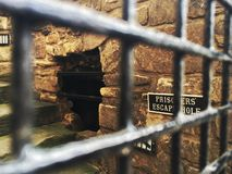 Prisoners& x27; vluchtgat, het Kasteel van Edinburgh stock fotografie