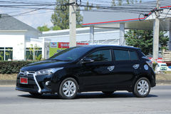 Privé auto Toyota Yaris Royalty-vrije Stock Afbeeldingen