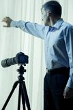 Privé-detective die onderzoek leiden royalty-vrije stock afbeelding