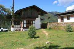 Privé huis dichtbij een kloosterschool - Gangtey - Bhutan Stock Afbeelding