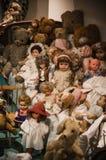 Privé oude poppeninzameling Stock Afbeeldingen