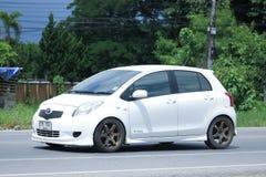 Privat Eco bil, Toyota Yaris Arkivfoto
