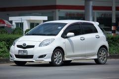Privat Eco bil, Toyota Yaris Royaltyfri Foto