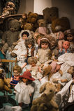Privat gammal dockasamling Arkivbilder