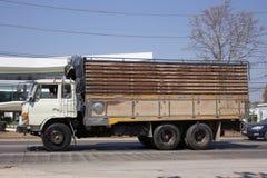 Privat gammal Hino lastlastbil Royaltyfria Foton