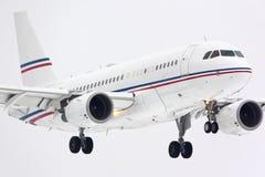 Privat landning för flygbuss A319 ACJ P4-VNL på Vnukovo den internationella flygplatsen Arkivbild