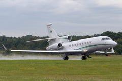 Privat stråle för Dassault falk som 7X M-CELT ägas av Dermot Desmond, miljardäraffärsmannen och ägaren av den keltiska fotbollklu arkivbild