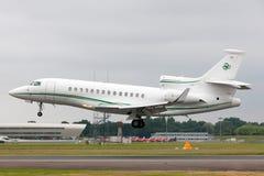 Privat stråle för Dassault falk som 7X M-CELT ägas av Dermot Desmond, miljardäraffärsmannen och ägaren av den keltiska fotbollklu royaltyfri foto