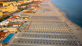 Privat strand, flyg- sikt, Tuscany Royaltyfria Foton