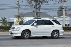 Privat Suv bil Lexus RX300 Arkivfoto