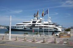 Privata yachter i den Eivissa hamnen Royaltyfri Bild