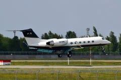 Private Flugzeuge Gulfstream IV lizenzfreie stockfotografie