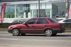 Privates altes Auto, Toyota Corolla Stockfotos