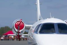 Privatjetfläche auf dem Flugplatz stockfoto
