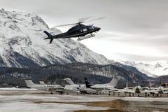 Prive喷气机和直升机在圣盛生 免版税库存图片