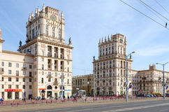 Privokzalnaya kwadrata bramy Minsk, Minsk, Białoruś zdjęcie stock