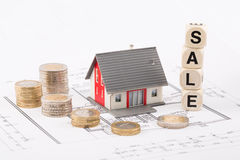 Prix en baisse sur des offres d'immobiliers Photo stock