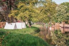 Prości namioty tworzyli w roszują parka podczas elf fantazi Fa Zdjęcia Stock