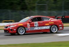 Pro carro de corridas de Honda Accord no curso Fotos de Stock