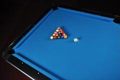 Pro het biljartspel van het jonge mensenspel Stock Fotografie
