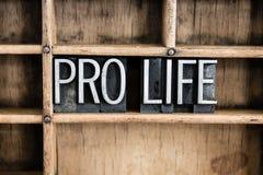 Pro impression typographique Word en métal de concept de la vie dans le tiroir images stock